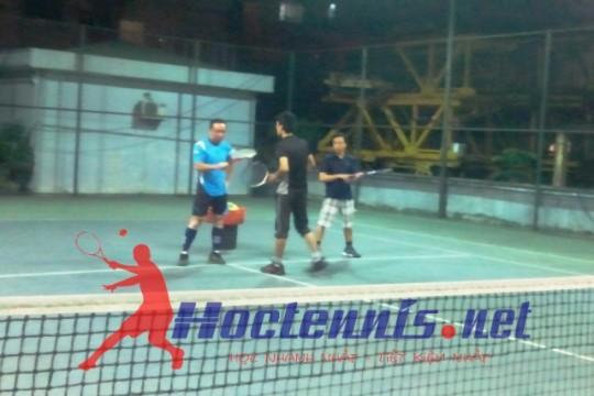 Lop tennis co ban CB64