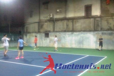 Lop tennis co ban CB78