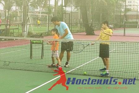 Hướng dẫn động tác thuận tay tennis